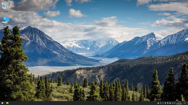 Windows machine desktop interface