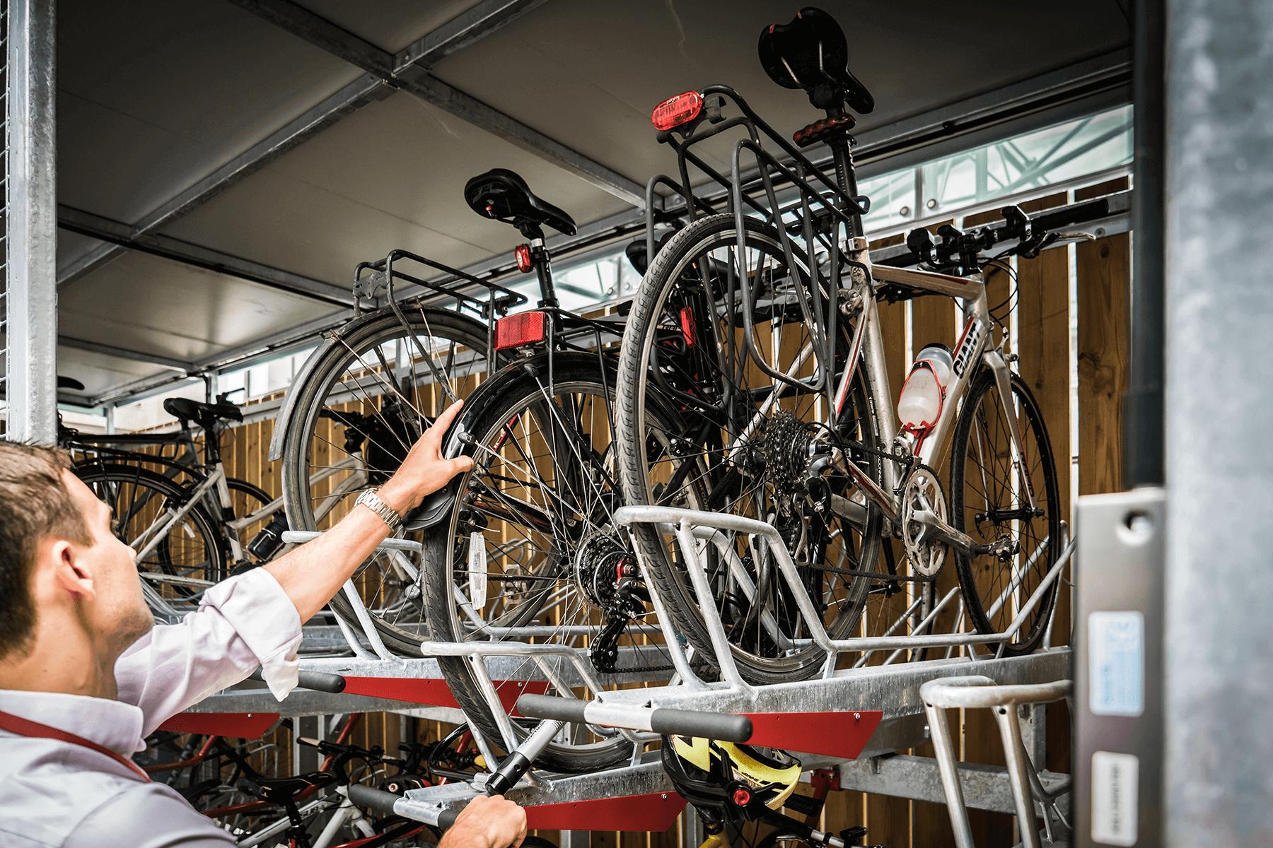 Gas-assisted Two Tier Bike Racks