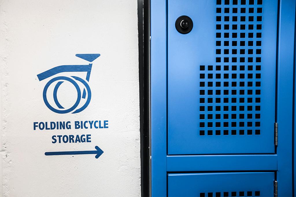 Folding bike lockers