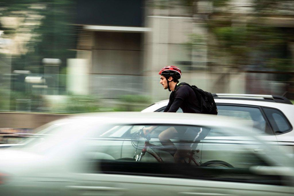 What are the Main Dos and Don'ts of City Cycling?