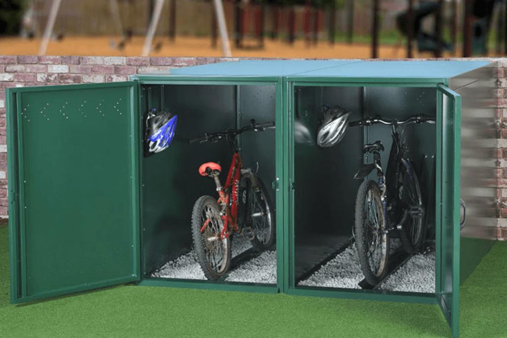 Horizontal bike locker with bikes inside