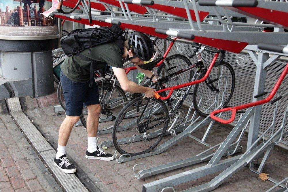 how to securely lock your bike